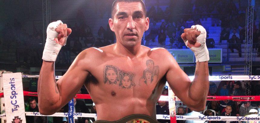 Aumada destruyó a Martínez en el primero y retuvo en San Luis