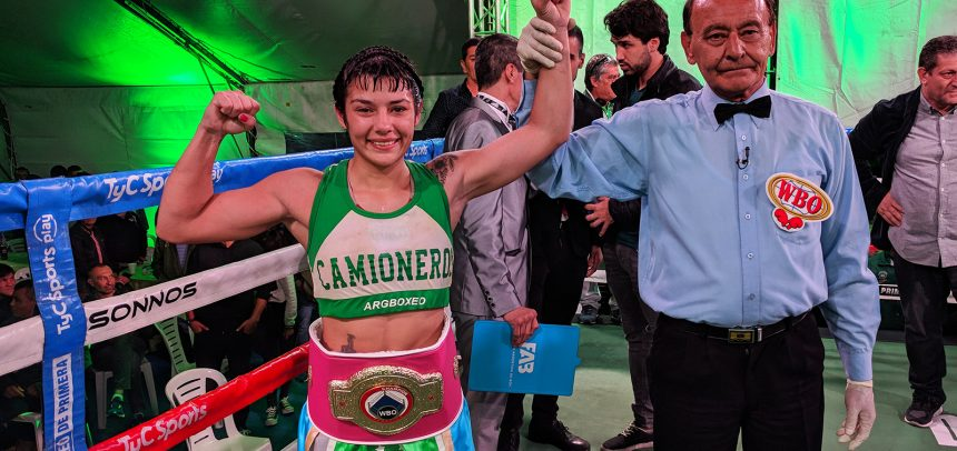 Anahí López shined over Carreño and conquered the world title