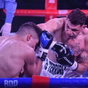 Cóceres fulminó a Rosalez en dos rounds y conquistó otro título