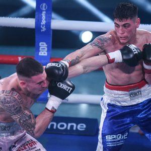 Daneff castigó a De León y lo destronó del título argentino